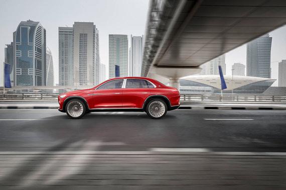 Концепт Vision Mercedes-Maybach Ultimate Luxury представлен в Китае накануне открытия автосалона в Пекине (Auto China 2018). Китай - крупнейший рынок Maybach, в стране продано более 60% из 25 000 седанов Maybach, которые Mercedes выпустил после перезапуска бренда в 2015 г., сообщил Bloomberg