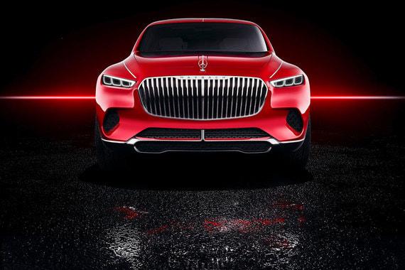 Электромобиль оснащен четырьмя двигателями общей мощностью 550 кВт (750 л. с.), которые дают SUV электронно управляемый полный привод. Тяговая батарея находится под полом (80 кВт ч), запас хода - более 500 км. Максимальная скорость ограничена электроникой до 250 км/ч