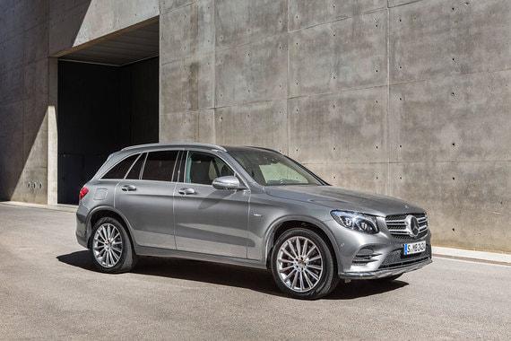 На четвертом месте рейтинга Mercedes-Benz GLC (6235 шт.)