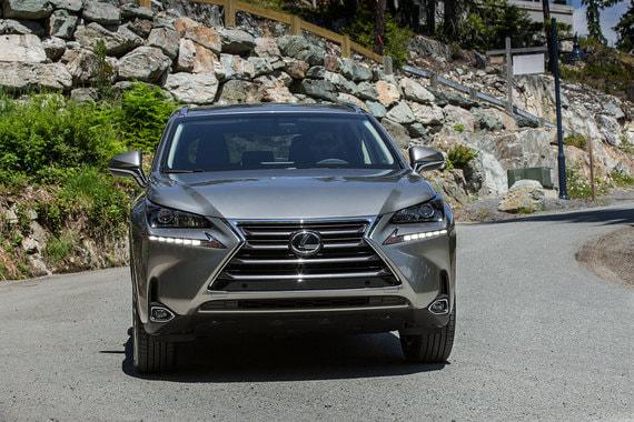 Замыкает пятерку лидеров Lexus NX (6186 шт.)