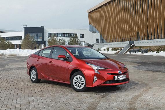 На седьмом месте рейтинга Toyota Prius (6064 шт.)