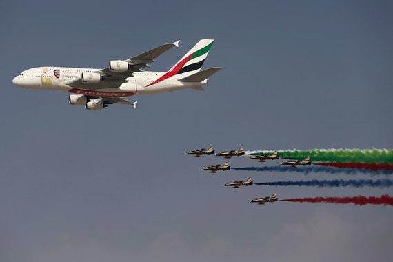 На четвертом месте, как и годом ранее, –Emirates. Компания из ОАЭ в 2016 г. занимала первое место рейтинга. В 2017 г. ее бренд, по данным консалтинговой компании, стоил $6,082 млрд, а в этом году подешевел до $5,336 млрд