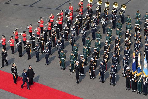 Межкорейский саммит стал третьим в истории КНДР и Южной Кореи. До этого с северокорейским лидером Ким Чен Иром в 2000 г. встречался южнокорейский президент Ким Дэ Чжун, а в 2007 г. – Но Мун Хен. Обе встречи проходили в Пхеньяне.