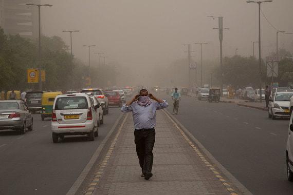 Более 100 человек погибли в результате песчаной бури в Индии