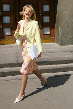 2004 г., заместитель министра финансов, рядом с Домом Правительства