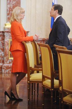 2009 г., министр здравоохранения и социального развития, перед заседанием правительства с профильным вице-премьером Александром Жуковым