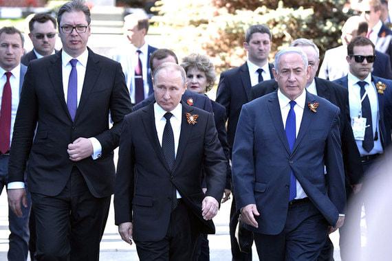 Путин прибыл на Красную площадь вместе с премьер-министром Израиля Биньямином Нетаньяху и президентом Сербии Александром Вучичем