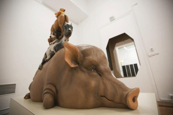 В ММОМА проходит выставка-спектакль «Генеральная репетиция». Она собрала 200 работ мировых звезд современного искусства