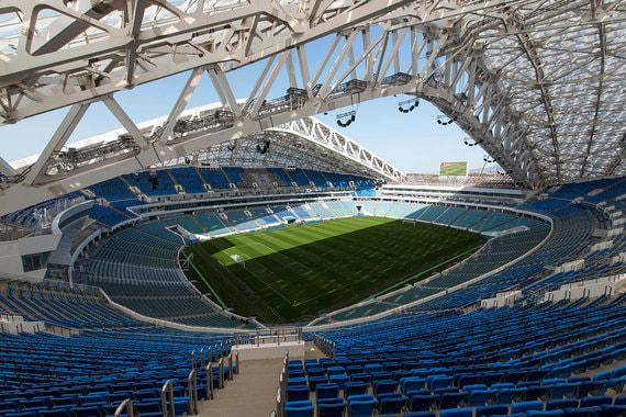 Стоимость реконструкции составила 4 млрд руб. Вместимость стадиона - 48 000 человек