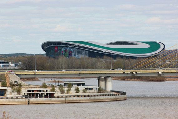 Стадион в Казани был построен в рамках подготовки к Универсиаде в 2013 г. – на арене прошли церемонии открытия и закрытия Универсиады. После этого на стадионе было установлено футбольное поле. В 2017 г. «Казань арена» приняла матчи Кубка конфедераций