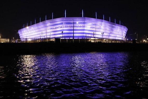 На стадионе в Калининграде пройдут четыре матча группового этапа чемпионата мира: Хорватия — Нигерия, Сербия — Швейцария, Испания — Марокко и Англия — Бельгия. Арена построена на заболоченном участке на острове Октябрьский иполучила разрешение на ввод в эксплуатацию 23 марта