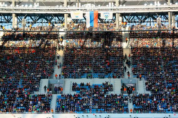 Арена в Волгограде построена на месте старого стадиона, принадлежавшего футбольному клубу «Ротор». Стоимость строительства – 16,367 млрд руб.