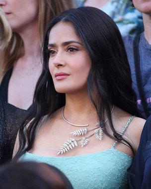 Актриса Сальма Хайек, бриллиантовое ожерелье из коллекции «Торжество природы»