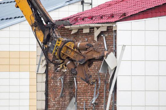 В Кемерове 15 мая начали сносить здания  торгово-развлекательного центра (ТРЦ) «Зимняя вишня»