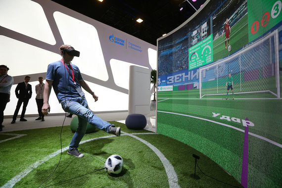 Площадка для виртуального футбола на стенде «Мегафона»