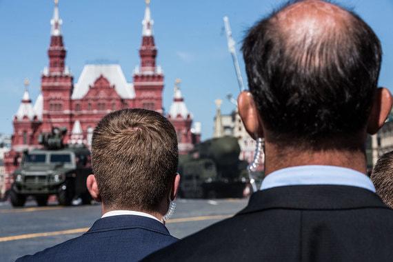 Служба безопасности на параде Победы в Москве