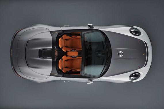 Кузов концепта заимствован у 911 Carrera 4 Cabriolet, но крылья, крышки багажника и двигательного отсека сделаны из углепластика