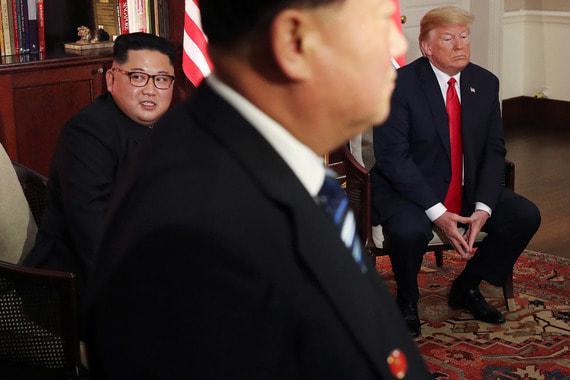 Американские журналисты отмечают, что встреча лидеров тет-а-тат продолжалась около 48 минут