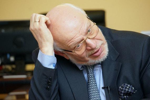 Михаил Федотов сохранил пост советника президента. В прошлой администрации курировал вопросы защиты прав человека