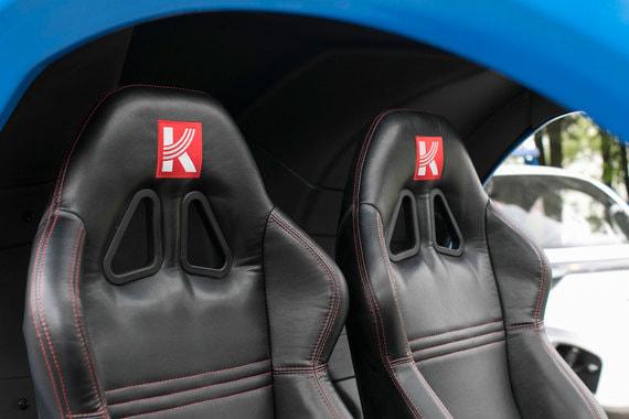 Машина обладает высокой плавностью хода и низкой пожаро- и взрывоопасностью в случае аварии, указывает компания