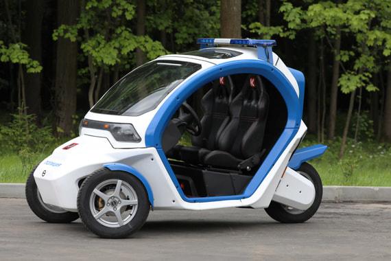 Трехколесный электромобиль «Овум» имеет модульную конструкцию и возможность варьировать количество пассажирских мест под требования различных служб города, сообщил производитель