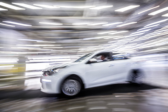 Экономисты ожидают ускорения инфляции, больше всего пострадают автопром и строительство