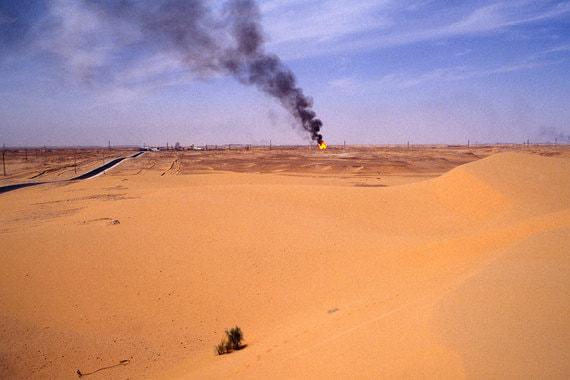 Еще одна африканская страна в картеле – Алжир. По версии ОПЕК, страна добывала 1,06 млн баррелей в сутки в 2017 г., а экспортировала 632 600 баррелей в сутки. По данным BP, добыча составляла 1,54 млн баррелей в сутки