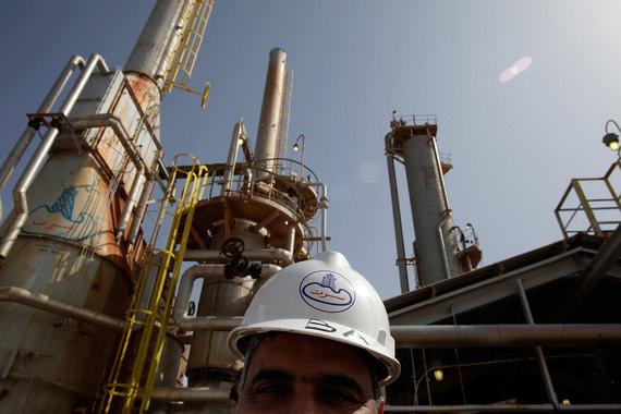 Ливия в прошлом году добывала 817 000 баррелей в сутки (данные ОПЕК) и экспортировала 792 100 баррелей в сутки. BP оценивает добычу Ливии в 865 000 баррелей в сутки
