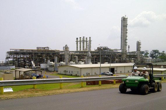 Весной 2017 г. членом ОПЕК стала Экваториальная Гвинея. По данным организации, страна в прошлом году добывала 129 000 баррелей в сутки, а экспортировала 128 200 баррелей в сутки. BP оценивает добычу Экваториальной Гвинеи в 199 000 баррелей в сутки