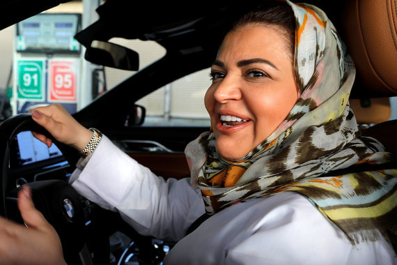 normal 16el В Саудовской Аравии женщины впервые сели за руль