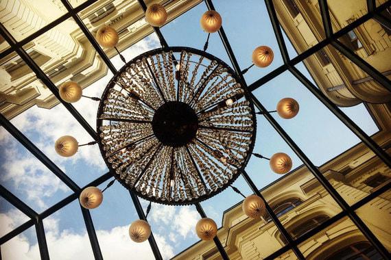 Отелем-легендой в этом году назвали гостиницу «Националь». Это важное достижение: в прошлый раз награду World Travel Awards отель завоевывал в 2009 г.