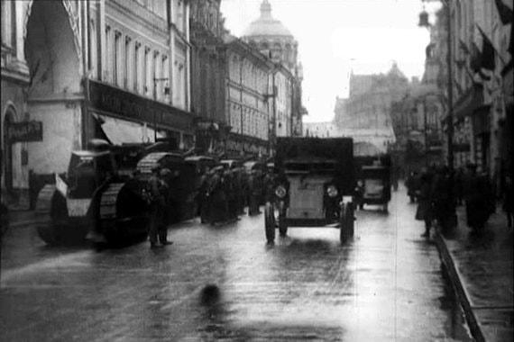 Бронетехника на Никольской улице, начало 1920-х гг.