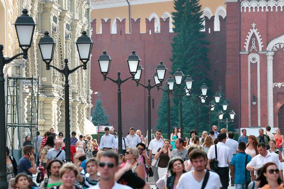 Открытие пешеходной зоны на Никольской в августе 2013 г.