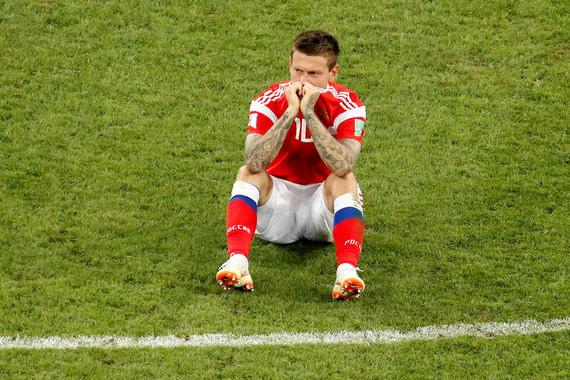 Для российского нападающего Федора Смолова чемпионат мира получился неудачным. Он не забил ни одного гола, а в четвертьфинале с хорватами не забил в серии пенальти