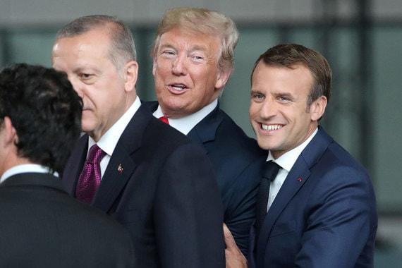 На саммите Трамп заявил, что для него «большая честь быть другом» президента Франции Эмманюэля Макрона