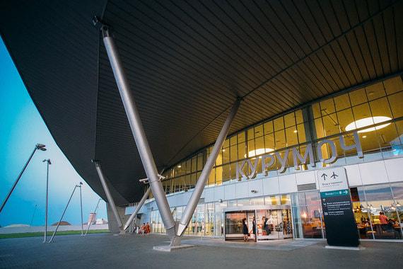 Международный аэропорт Курумоч в Самаре (на фото) построен в 2015 г. также по заказу холдинга «Аэропорты регионов». Недалеко от аэропорта находится город Тольятти и Ульяновск, поэтому у Курумоча есть все шансы стать минигородом в аэропорту (аэрополисом)