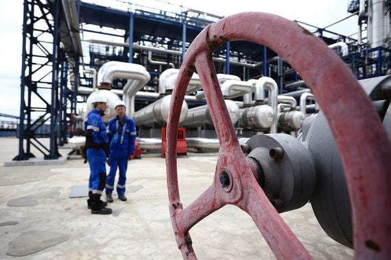 Правительство смягчит последствия налогового маневра для нефтяников