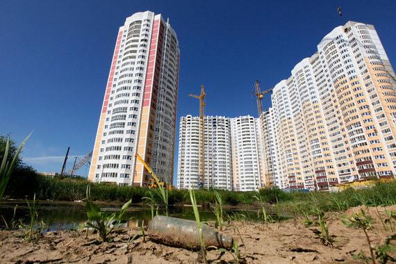 Пока рынок недвижимости держится, но может и обвалиться