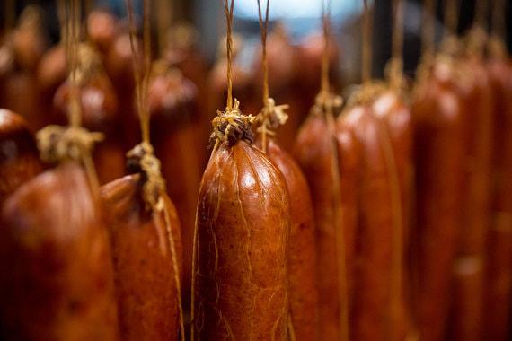 Производители колбас и полуфабрикатов попросили правительство о помощи