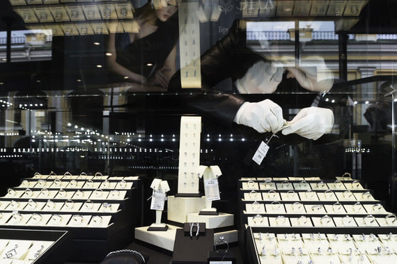 normal 1sik В мире подскочил спрос на бриллианты и ювелирную продукцию