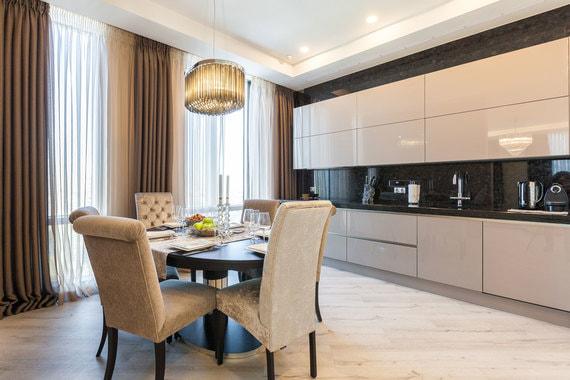 normal 1ee3 Жизнь на высоте: как выглядит самое дорогое жилье в небоскребах у парков и водоемов Москвы