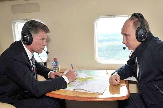 Олег Кожемяко и Владимир Путин облетают Дальний Восток на вертолете