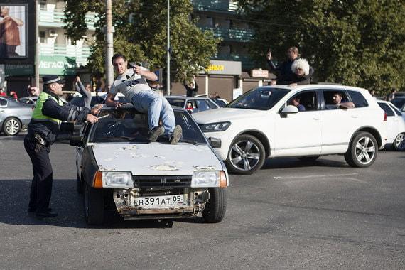 normal 12ln В Махачкале празднуют победу Хабиба Нурмагомедова над Конором Макгрегором