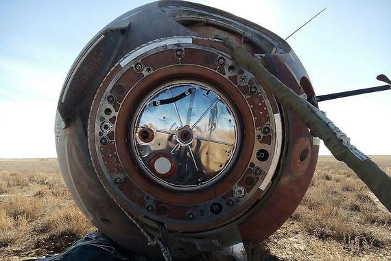 normal 1dgi Космонавты Овчинин и Хейг вернулись на Байконур после аварийного запуска «Союза МС 10»