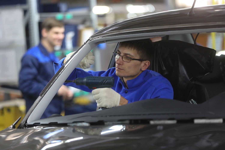 АвтоВАЗ инвестирует в новые модели 100 млрд рублей