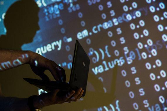 Поисковики могут обязать удалять ссылки на пиратские сайты без суда