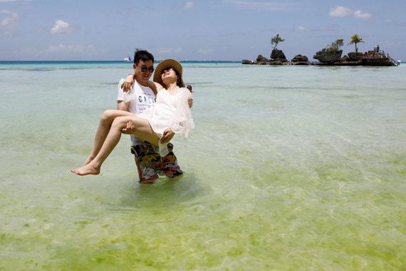 normal 1jj9 Как Филиппины превратили Боракай из «выгребной ямы» в «рай для туристов»