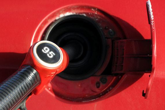 Цены на топливо не будут расти до февраля