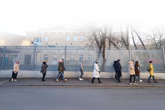 normal 1k02 Как Кирилл Серебренников водит экскурсии по Пречистенке