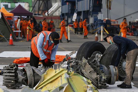 Причиной крушения Boeing 737 в Индонезии могла стать автоматика